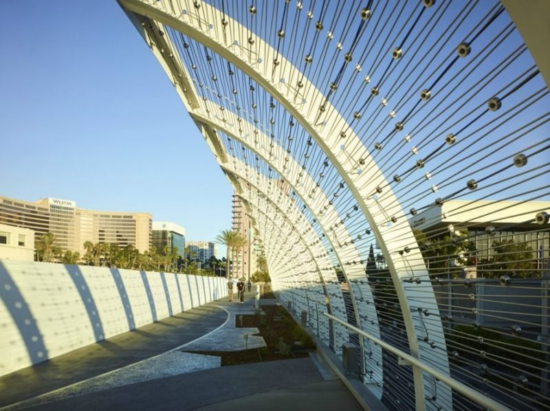 Perierga.gr - Μια γέφυρα εμπνευσμένη από τα κύματα της θάλασσας