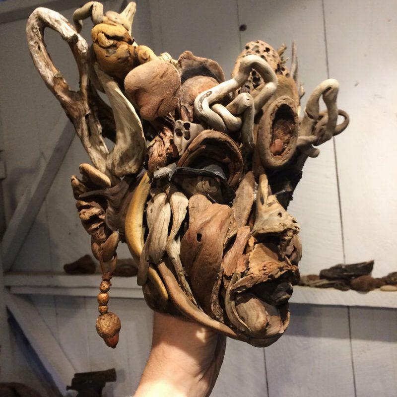 Perierga.gr - Ανθρωπόμορφες κατασκευές από ακατέργαστα κομμάτια ξύλου
