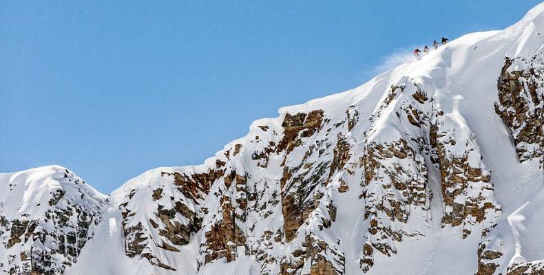 Perierga.gr - Είναι αυτή η πιο ριψοκίνδυνη πίστα σκι της Ευρώπης;