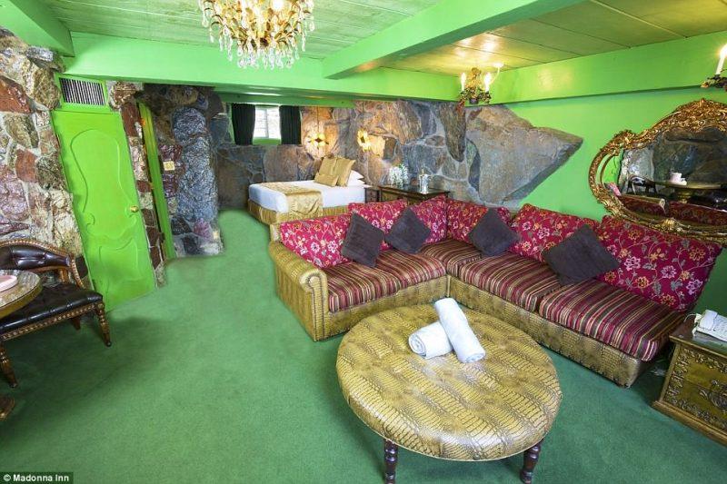 Perierga.gr - Ένα ξενοδοχείο μες στην υπερβολή!