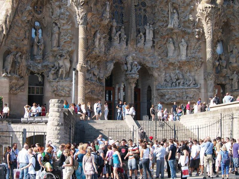 Perierga.gr - Μνημεία της Ευρώπης που δύσκολα φωτογραφίζει κανείς εξαιτίας των τουριστών!