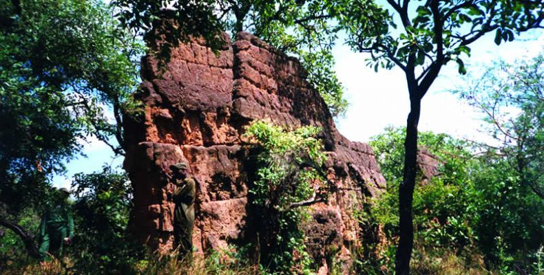Perierga.gr - Το μεγαλύτερο μνημείο της Αφρικής... που παραμένει άγνωστο