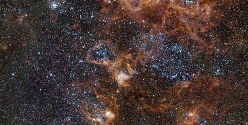 Perierga.gr - Εντυπωσιακό ταξίδι στο αστρικό τοπίο του νεφελώματος Tarantula