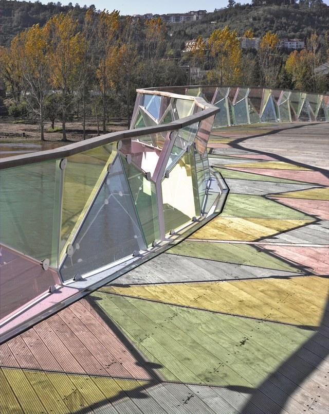 Perierga.gr - Πεζογέφυρες δείγματα εξέχουσας αρχιτεκτονικής και σχεδιασμού