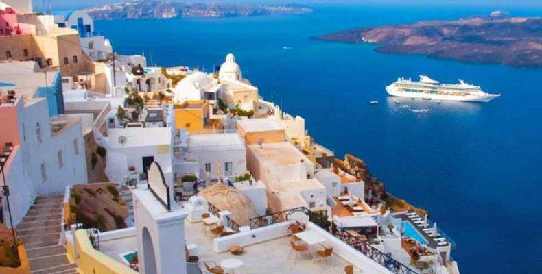 Perierga.gr - Τέταρτη στην Ευρώπη για την άριστη εξυπηρέτηση τουριστών η Ελλάδα