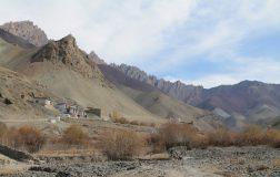 Perierga.gr - Το απομακρυσμένο χωριό των Ιμαλαΐων χωρίς οδικό δίκτυο