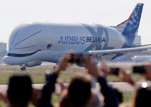 Perierga.gr - Beluga XL: η παρθενική πτήση του μεγαλύτερου Airbus