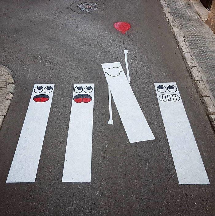 Perierga.gr - Δημιουργικές διαβάσεις στους δρόμους!