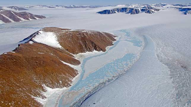 Perierga.gr - 8 παράξενα μέρη στη Γη όπου εξαφανίζεται το νερό