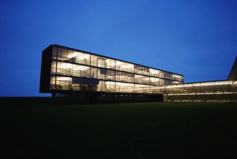 Perierga.gr - Εργοστάσια με απρόσμενη αρχιτεκτονική και αισθητική!