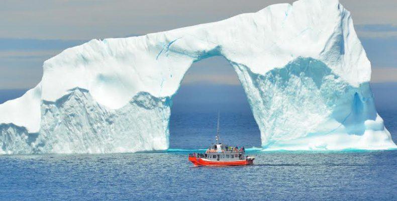 Το μεγαλείο των παγετώνων μέσα από εντυπωσιακές εικόνες