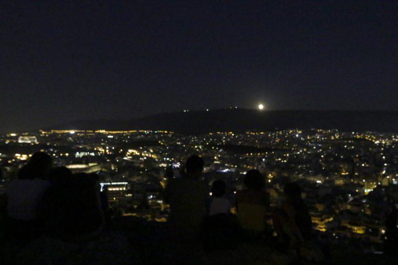 Perierga.gr - Θεαματικές εικόνες από την αυγουστιάτικη πανσέληνο