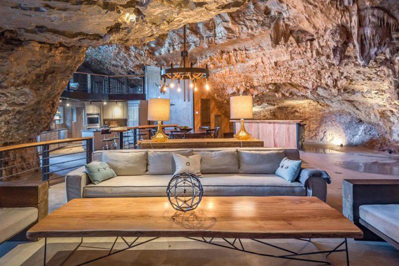 Perierga.gr - Σύγχρονο και πολυτελές σπίτι μέσα σε φυσική σπηλιά!