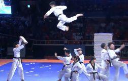 Perierga.gr - Τα θεαματικά ακροβατικά της ομάδας Taekwondo της Νότιας Κορέας