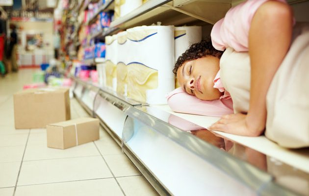 Perierga.gr - Όποιος ζεσταίνεται στη Φινλανδία έχει ανοιχτή πρόσκληση να κοιμηθεί στο σούπερ μάρκετ της γειτονιάς του