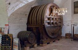 Perierga.gr - Το γιγαντιαίο βαρέλι κρασιού της Χαϊδελβέργης