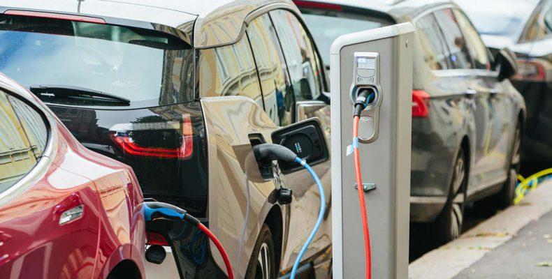 Perierga.gr - Πάνω από ένα εκατομμύριο ηλεκτρικά αυτοκίνητα στους δρόμους της Ευρώπης