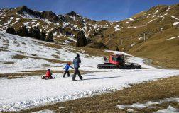 Perierga.gr - Το χιόνι χάνεται από την Ελβετία...