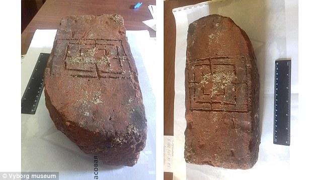 Perierga.gr - Μεσαιωνικό... επιτραπέζιο παιχνίδι βρέθηκε στη Ρωσία!