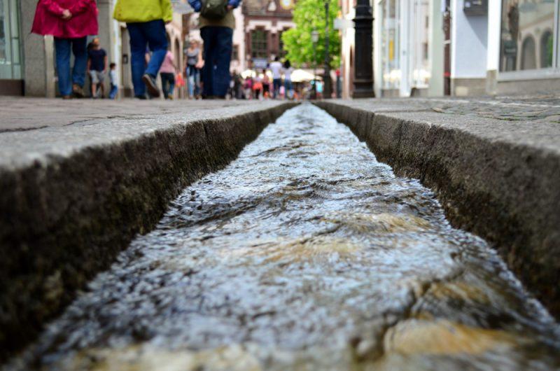 "Perierga.gr - Μεσαιωνικά κανάλια που έγιναν ""μικρές οάσεις"" της πόλης"