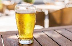 Perierga.gr - Ένα ρομπότ σερβίρει... την σωστή μπύρα!