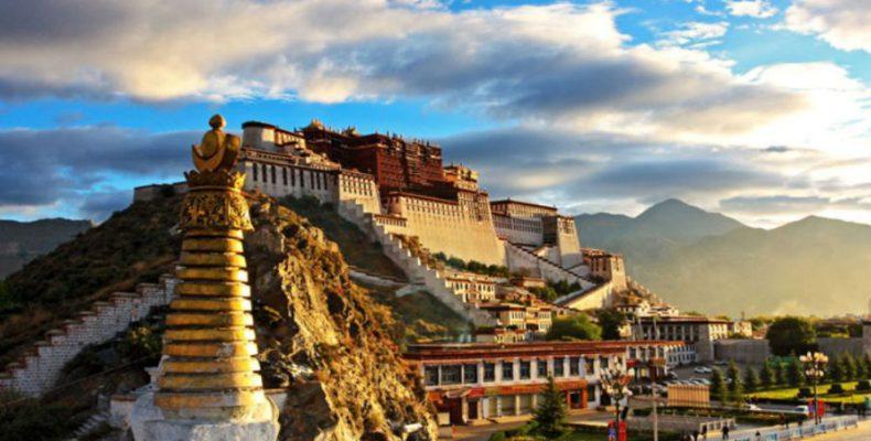 Perierga.gr - Ποτάλα: το θιβετιανό παλάτι που βρίσκεται στα... σύννεφα