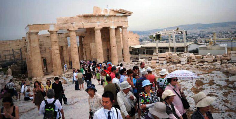 Με 7,9 στα 10 βαθμολογούν την Αθήνα οι ξένοι επισκέπτες