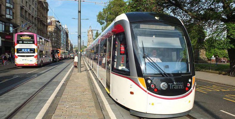 Perierga.gr - Στους δρόμους το πρώτο τραμ χωρίς οδηγό