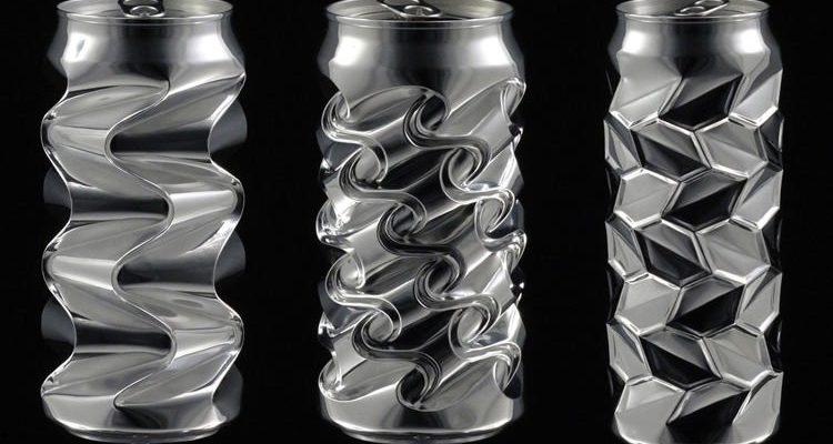 Perierga.gr - Κουτάκια αναψυκτικών γίνονται γλυπτά με τους αντίχειρες!