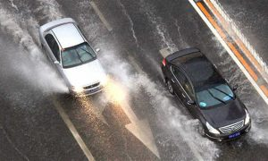Perierga.gr - Τι να προσέχουμε στην οδήγηση όταν ο καιρός χαλάει;