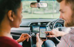 Perierga.gr - Επικίνδυνη η χρήση GPS κατά την οδήγηση