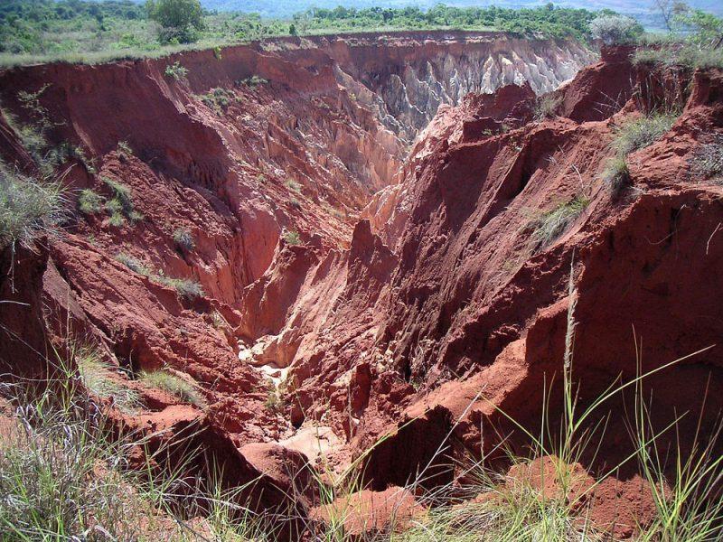 "Perierga.gr - Το ""κόκκινο"" ποτάμι της Μαδαγασκάρης"