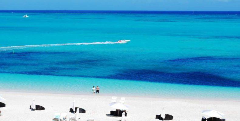 Perierga.gr - Το Ελαφονήσι ανάμεσα στις καλύτερες παραλίες για το 2018 από το Tripadvisor