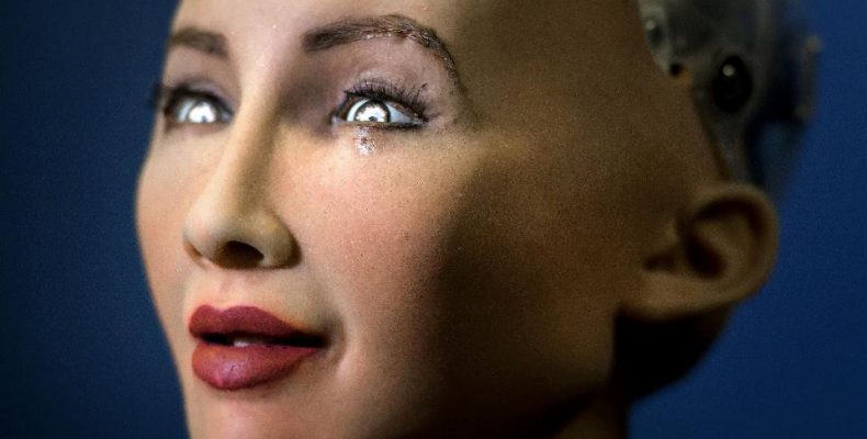 Perierga.gr - Ένα ρομπότ που γελάει και στεναχωριέται όπως εμείς