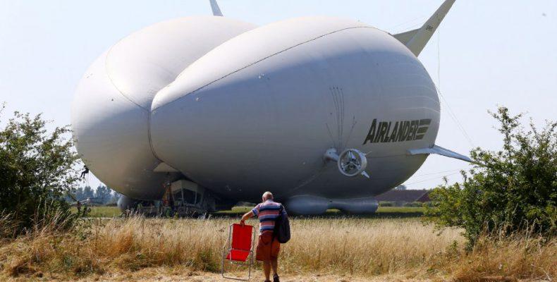 Perierga.gr - Airlander 10: Το μεγαλύτερο αεροσκάφος του κόσμου δεν θα πετάξει ξανά