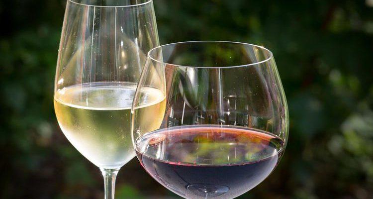 Νερό με γεύση κρασιού... για να μην κάνουμε κεφάλι!
