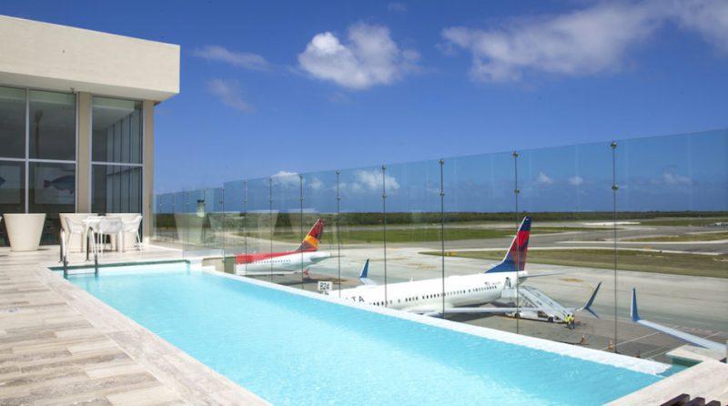 Perierga.gr - Αεροδρόμια με εντυπωσιακές πισίνες!