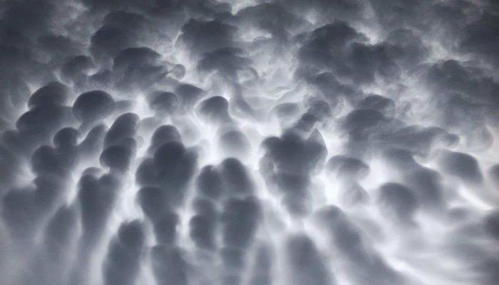 Perierga.gr - Σύννεφα που θυμίζουν... κύτταρα εμφανίστηκαν στον ουρανό!