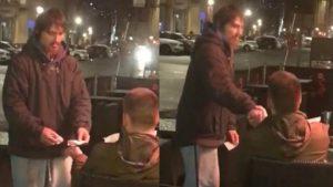 Έδωσε σε άστεγο την κάρτα του να σηκώσει όσα χρήματα θέλει!
