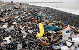 Perierga.gr - Μείωση της χρήση πλαστικών από 170 χώρες μέχρι το 2030