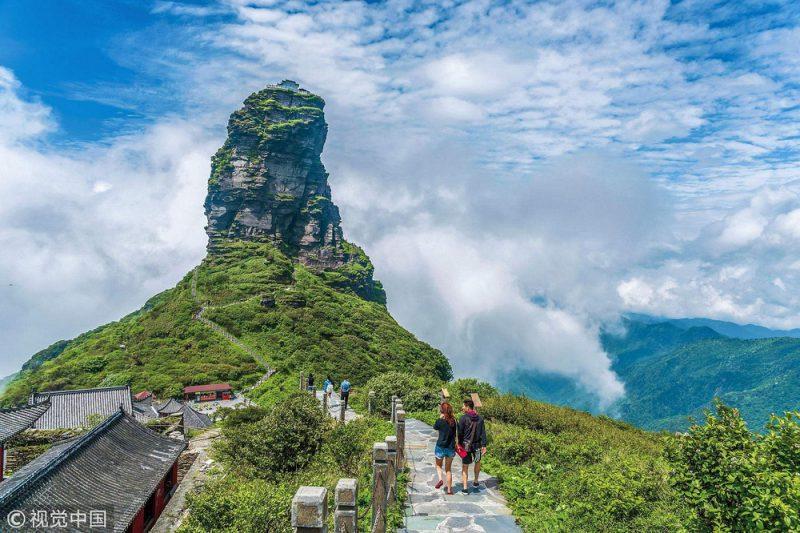 Perierga.gr - Δυο ναοί στις κορυφές ενός βράχου στα 2.600  μέτρα!