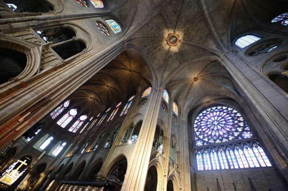 Perierga.gr - Η ανοικοδόμηση του Notre Dame θα μπορούσε να βασιστεί σε τεχνολογία λέιζερ