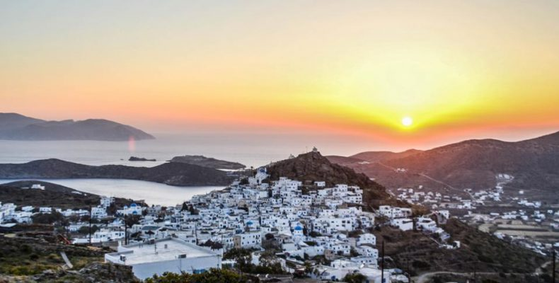 Perierga.gr - Η Daily Mail αποθεώνει την Ίο!