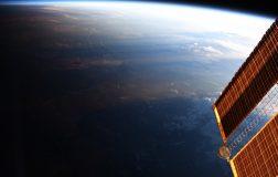 Perierga.gr -Η Γη υποδέχεται τη μέρα και αποχαιρετά τη νύχτα σε ένα εντυπωσιακό βίντεο της NASA