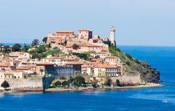 Perierga.gr - Το ιταλικό νησί Έλβα υπόσχεται επιστροφή του κόστους του ξενοδοχείου εάν βρέξει!