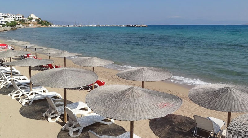 Perierga.gr - Αγκίστρι: Ένας μικρός πράσινος παράδεισος με εξωτικές παραλίες