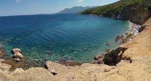 Αγκίστρι: Ένας μικρός πράσινος παράδεισος με εξωτικές παραλίες