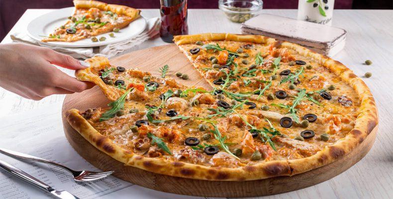 Perierga.gr - Δωρεάν πίτσα εάν δεν ασχολείστε με το κινητό σας όσο τρώτε!