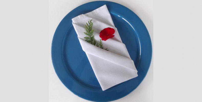"""Perierga.gr - Στο βίντεο που ακολουθεί θα δείτε πώς μπορείτε να """"μεταμορφώσετε"""" ένα γεύμα ή ένα δείπνο με τον πιο εύκολο, γρήγορο και οικονομικό τρόπο."""