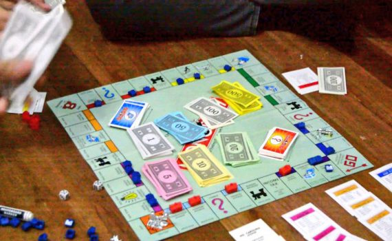 Perierga.gr - Monopoly: Η ιστορία του αγαπημένου επιτραπέζιου παιχνιδιού